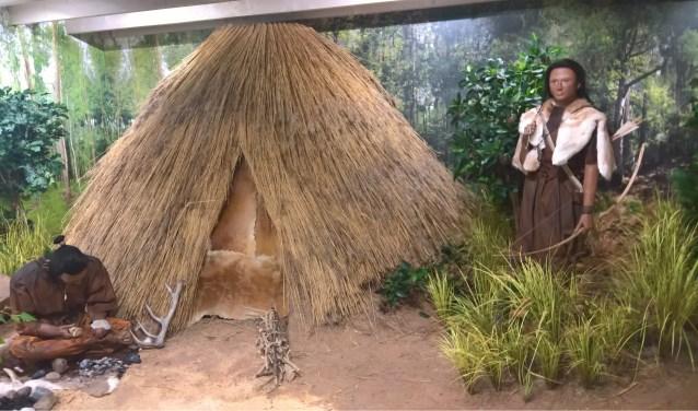 Wie bedenkt namen voor de twee Steentijdbewoners?