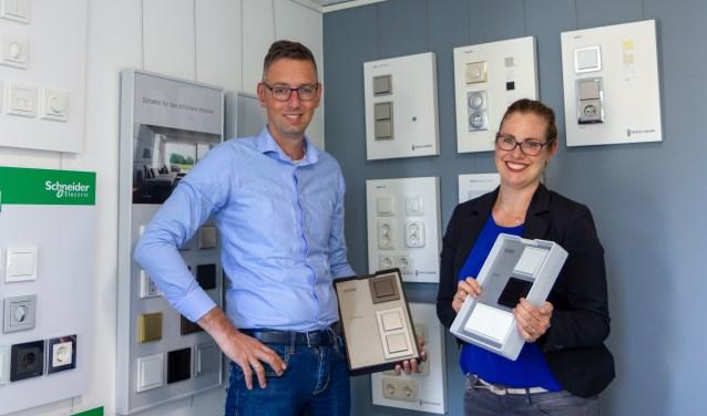 Anna en Alfons Reinders laten zien wat er alleen al op het gebied van schakelaars mogelijk is.