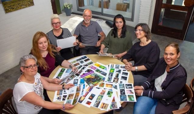 De jury en werkgroepleden: v.l.n.r. Marianne Henstra, Wietske Elzinga, Mascha de Lange, Rob Blanken, Janna Blom, Judith Minks en Marijke van der Sluis.