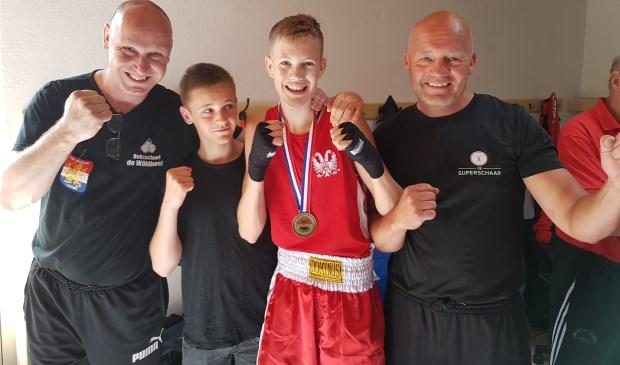 V.l.n.r.: trainer Bernard Jansen, Geale Meindertsma, Dennis de Boer, trainer Ids de Boer.