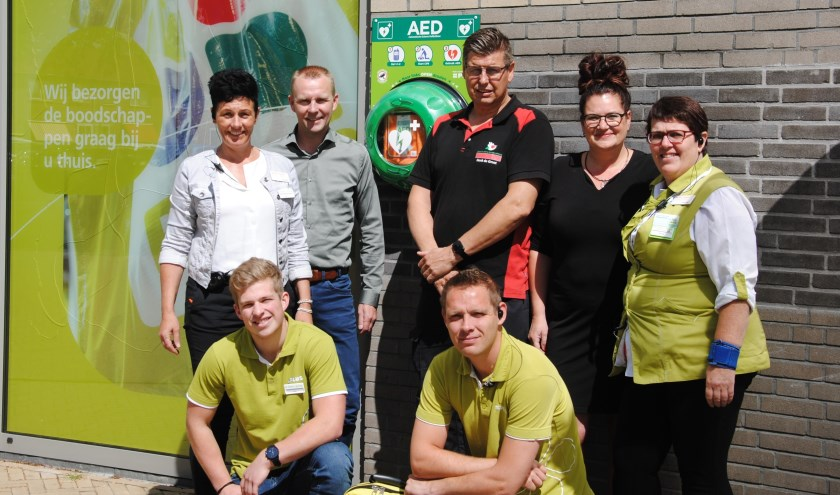 Nelly en Jaap Wolters (eigenaren PLUS Wolters), Henke en Aukje de Groot  (Groot in BHV & brandbeveiliging), medewerkers Annie Postma, Allert Koster en Hans Hoekstra.