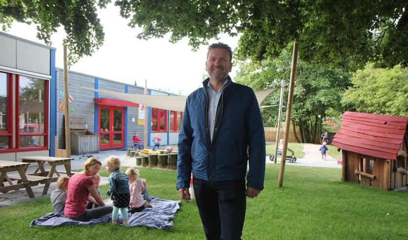 Directeur André de Jong vindt mooie grote buitenspeelplaatsen belangrijk.