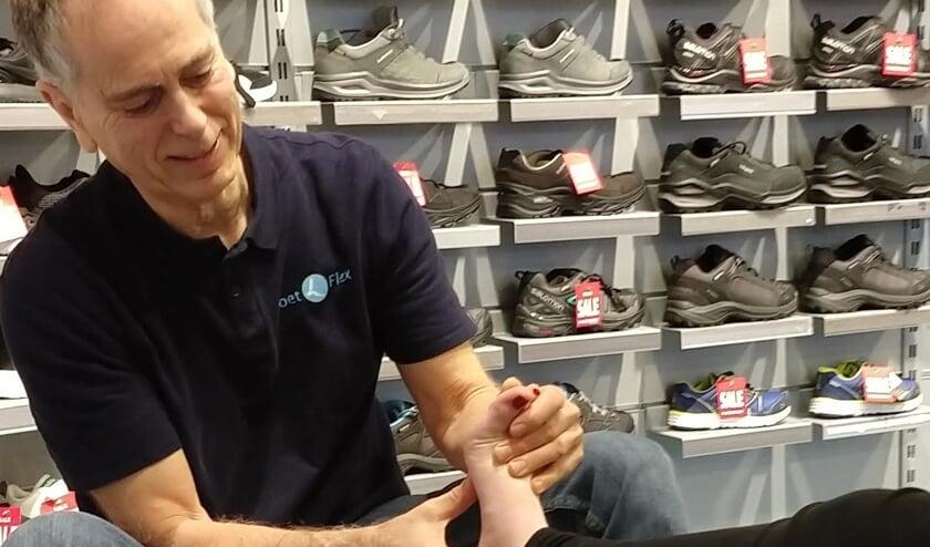 Niko Hartz geeft op 6 juli gratis voetscreenings.