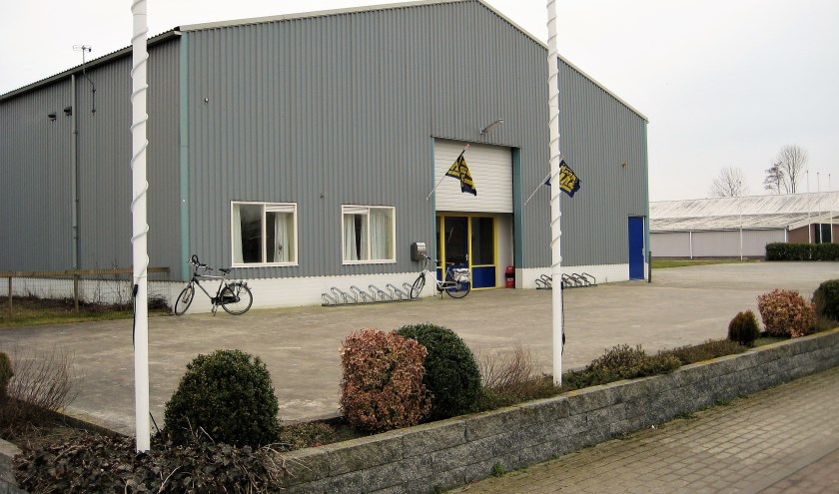 Tegenwoordig runnen Klaziena en Douwe de Markthal in Berlikum: een nette winkel waar werkelijk zowat alles te koop is.