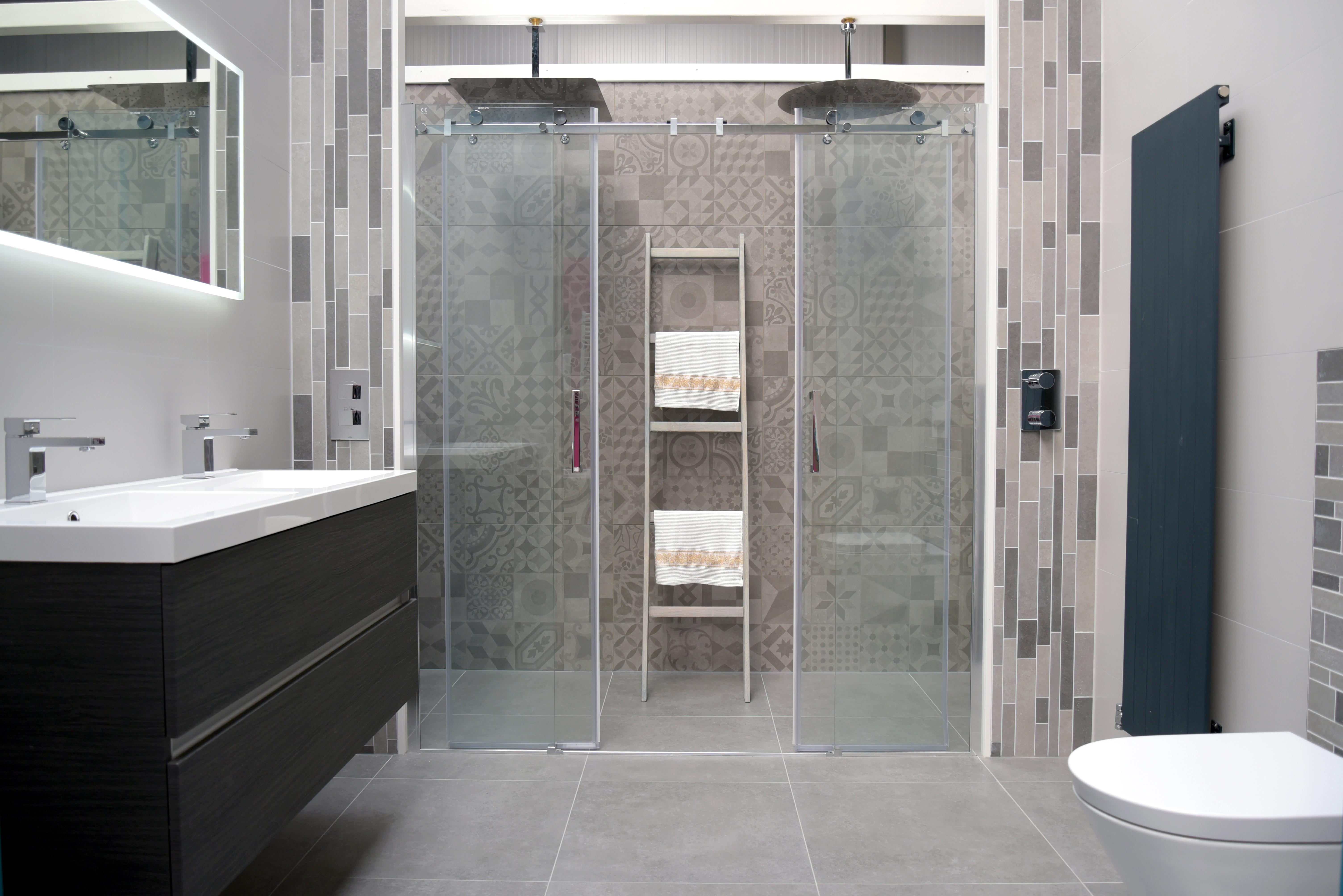 Badkamer 5000 Euro : Badkamerwarenhuis u cwij bieden de klant veel mogelijkheden en