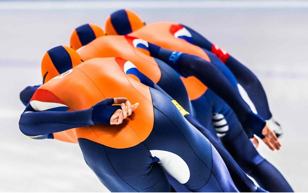 De Nederlandse mannen tijdens de finale team pursuit tijdens de Olympische Winterspelen in PyeongChang. Sven Kramer, Patrick Roest en Jan Blokhuijsen komen niet verder dan het brons. Foto: Stephan Tellier © NNP