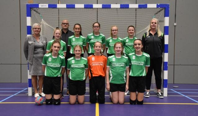 Sponsorfoto D1-jeugd team Groesbeeks Glorie. (foto: Manon van Sas)