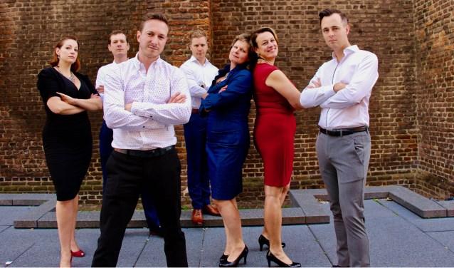 Vocaal Ensemble Omnitet. Vlnr: Carissa Lynn Gerving, Roel Schutgens, Frank Leurs, Niels van Laar, Chris Hilkens, Jurgen de Jong. (foto: Frank Leurs)