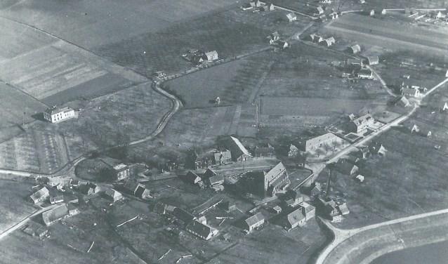 Luchtfoto Pannerden 1950.