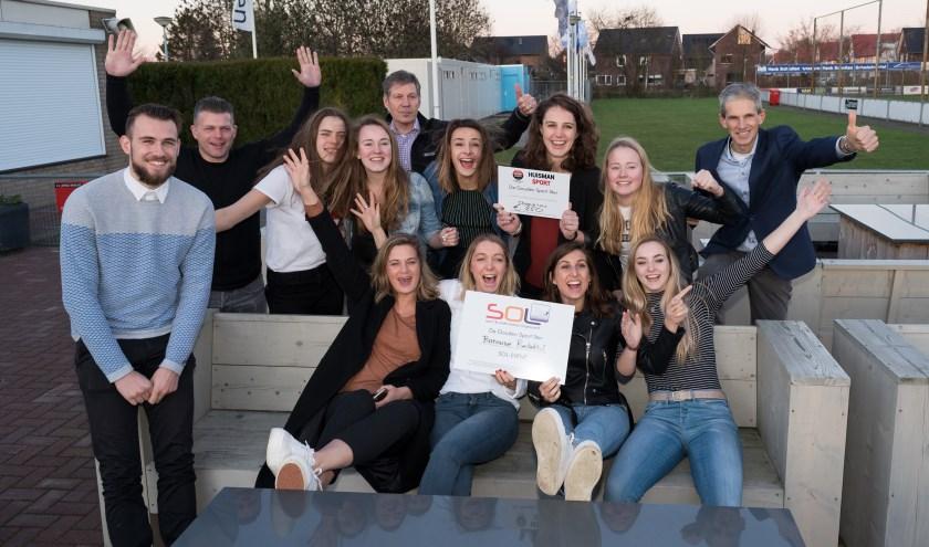 Dames 1 van Batouwe winnen de Gouden Sport Ster 2017. (Fons Sluiter)