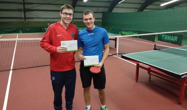 Kampioenen Tom Winters en Mika van Onna   (Thijs Wieman ontbreekt). (foto: Maarten Nijenhuis)