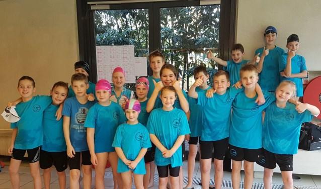 De jongste ZVO-zwemmers (Foto: J. van Veenendaal)