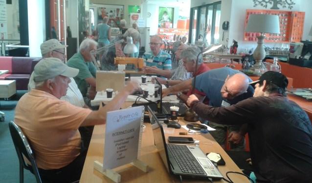 Repair- en Internetcafé