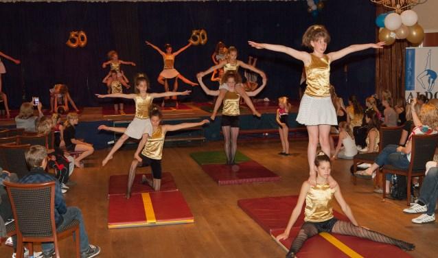 Uitvoering 50-jarig bestaan Aldo acro-gym in 2012