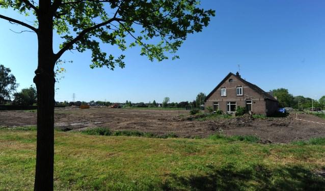 De grens van de toekomstige woonwijk De Plakse Wei (foto: Sjaak Veldkamp)