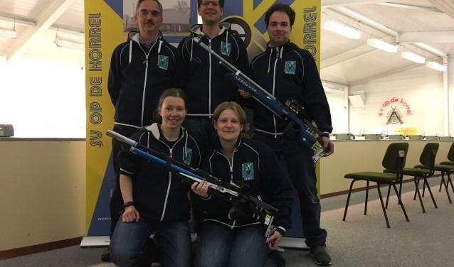 Team 1:Vooraan v.l.n.r. Maria en Stine. Achter aan: Richèl, Jasper en Mathijs