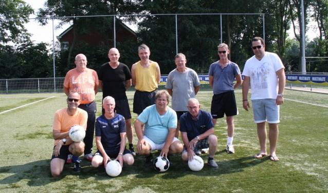 Groepsfoto deelnemers Old Stars Millingen FC