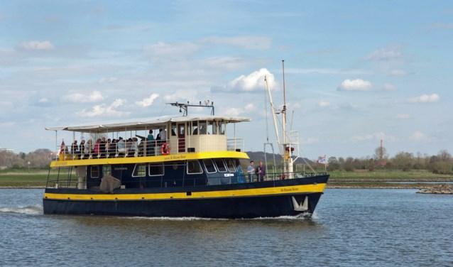 De Blauwe Bever op weg naar een Betuwse Proeverij (foto: Stichting Rijnoevervaarten)