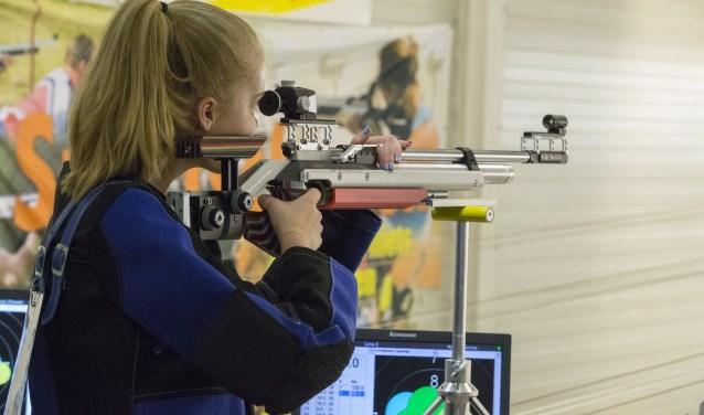 Jeugdschutter luchtgeweer opgelegd (foto: Frank Streng)