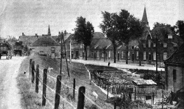 Huissen vanaf de dijk in 1935
