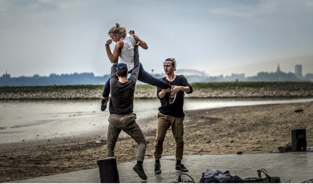Ooibosje aan de Waal (foto: Hans Cras)