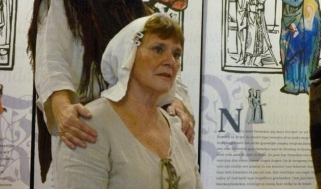 De vertelvoorstelling wordt gegeven door Elise van Riet en Maria Kessels.