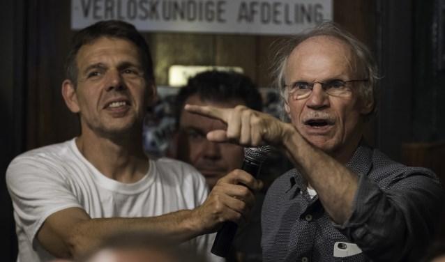 Bewoners aan het woord bij bijeenkomst over railterminal, augustus 2018 Valburg. (foto: Overbetuwe Overbelast)