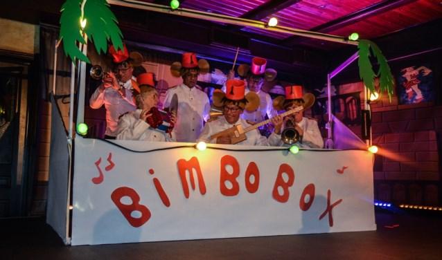 De vorige pronkzitting was een feest, met onder andere een optreden van AtotZ. (foto: Loes Bouwens)