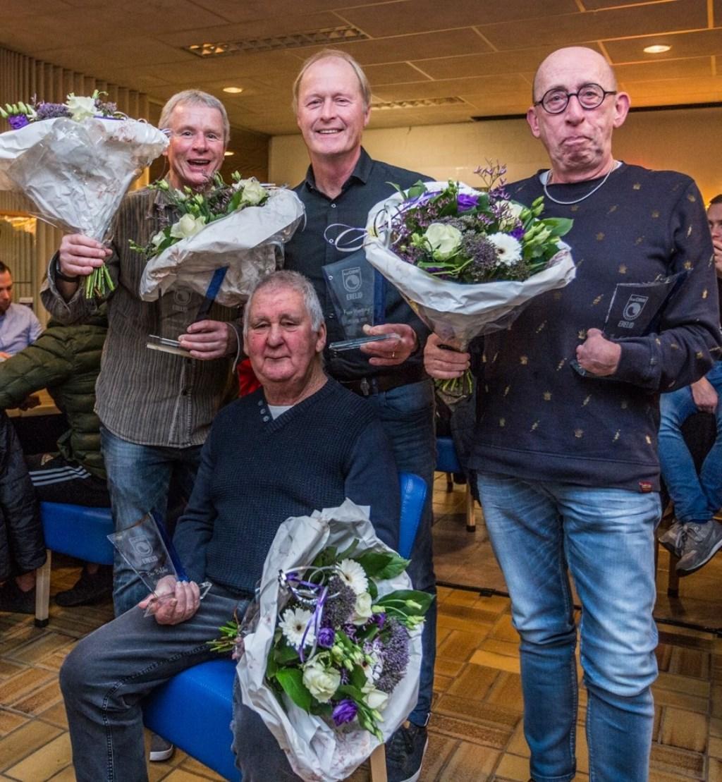 OBWs nieuw benoemde ereleden: (van links naar rechts) Jan van Wijlick, Bennie Bolder, Koen Wenting en Theo Gielen. (foto: Ron Sanders)