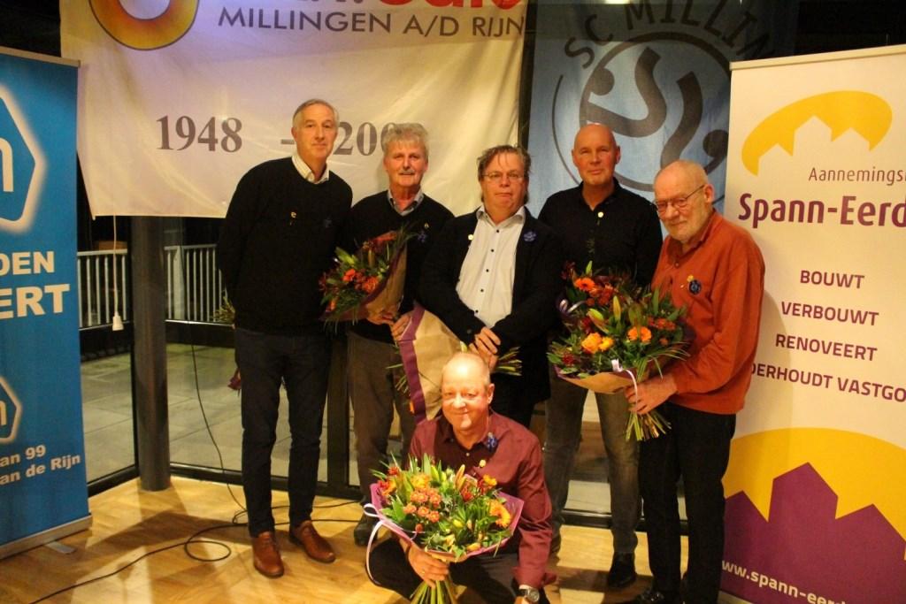 50 jaar: Alex Hanssen, Herman Heijmink, Arnold Raats, Rob Menting en Ben Burgers,vooraan zittend:  Peter Verheijen.(foto: Emiel Hermsen en Hans Driessen)  © Hét Gemeentenieuws