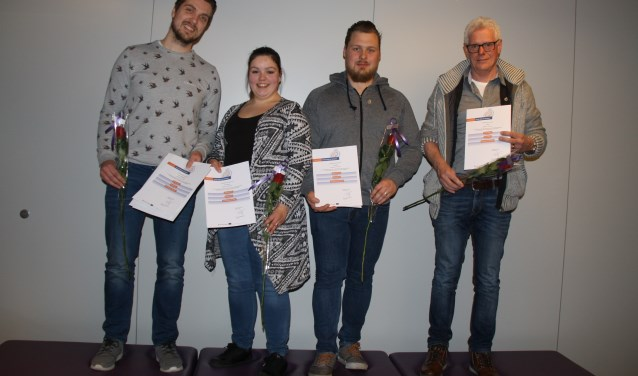 Vier geslaagde EHAK-deelnemers. (foto: Hans Driessen)