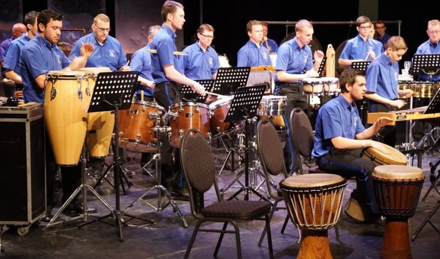 Slagwerkgroep Sint- Caecilia Gendt. (foto: Frans Voermans)