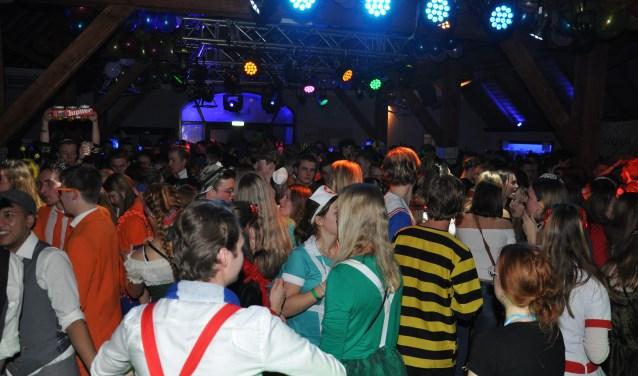 Groot carnavalsfeest op De Hucht. (foto: B. Knot)