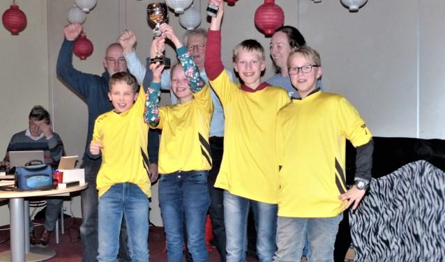 Het winnende team van CBS Rehoboth uit Ochten. (foto: Sv Rivierenland)