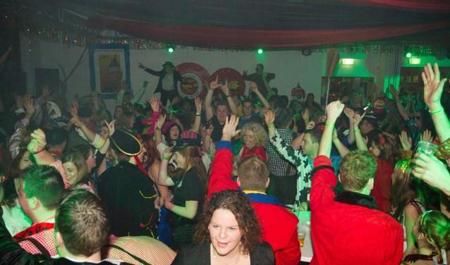 Carnavalsavond in Nölerhout. (foto: Sabrina Sanders)