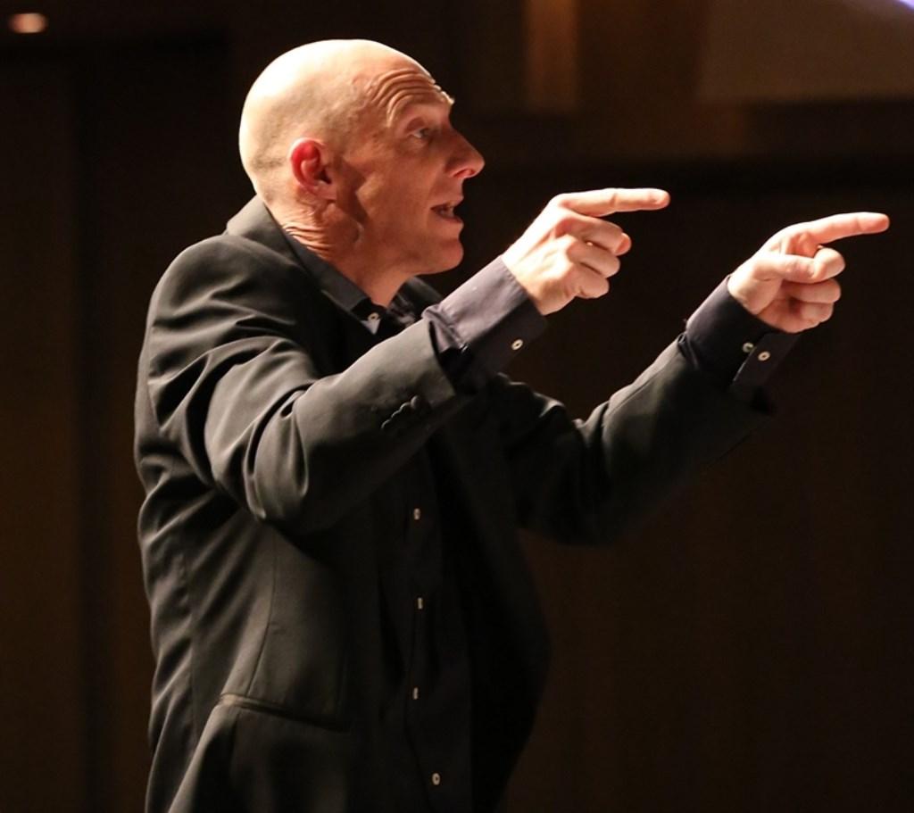 Dirigent Casper Traa. (foto: Ger Lengowski)