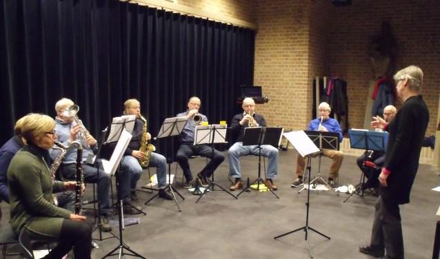Ensemble the Young Ones onder leiding van Lucie Gieles.(foto: Toine Langerwerf)