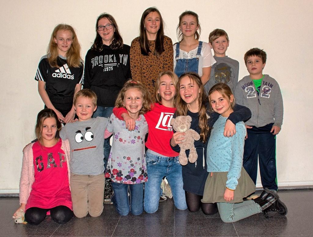 Groepsfoto spelers voorstelling. (foto: Maria Schut)