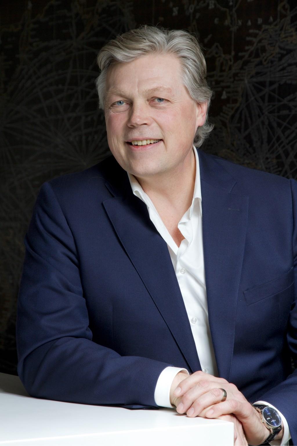 Journalist Roelof Hemmen presenteert 26 maart De Betuwe Draait Door, een avond voor en door ondernemers.
