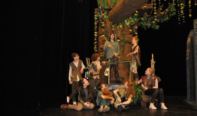 Robin Hood met zijn vrienden. (foto: Hannie Bouman)