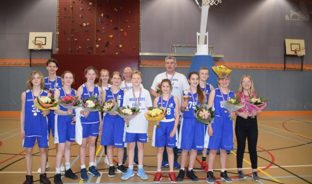 Kampioensteam U14-2. (foto: Basketiers 71)