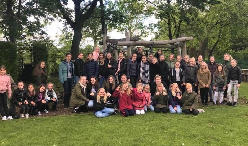 Groepsfoto jeugdkamp Groesbeeks Glorie. (foto: Lobke Elbers)