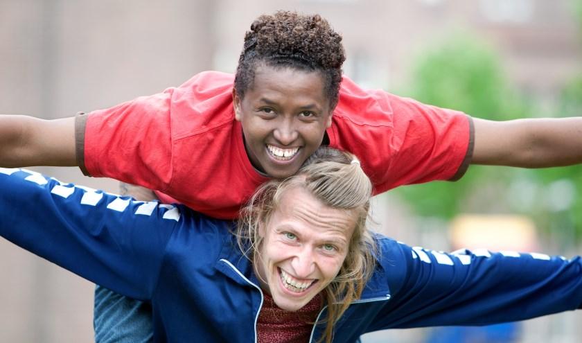 Jongere vluchteling en Nederlandse jongere. (foto: Goedele Monnens)