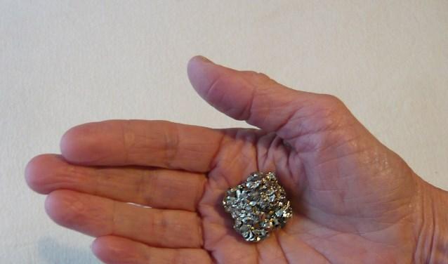 Een stukje goedkleurige pyriet. (foto: Cees Bakker)