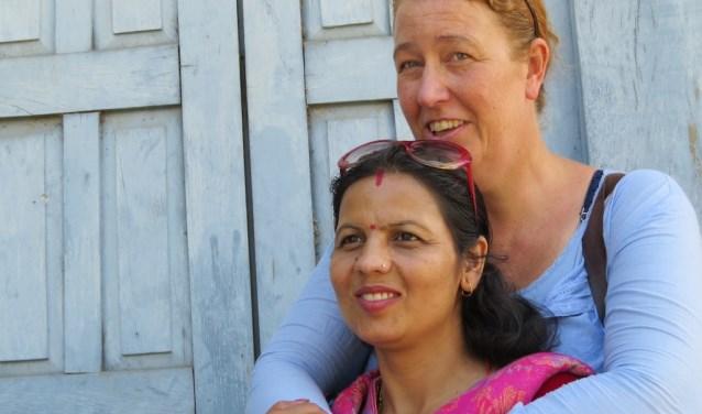 Inge Hoogesteger in Nepal. (foto: medewerker Inge Hoogesteger)