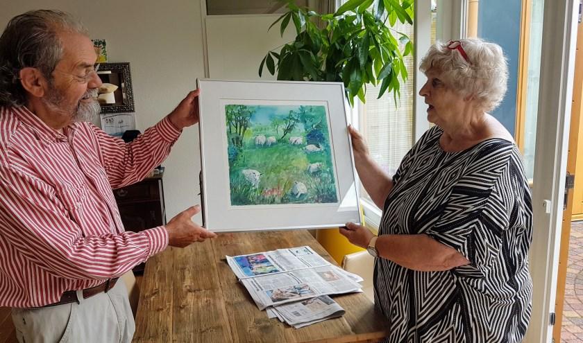 Prijsuitreiking aquarel aan mevrouw Muhlradt in Bemmel. (foto: Verstappen)