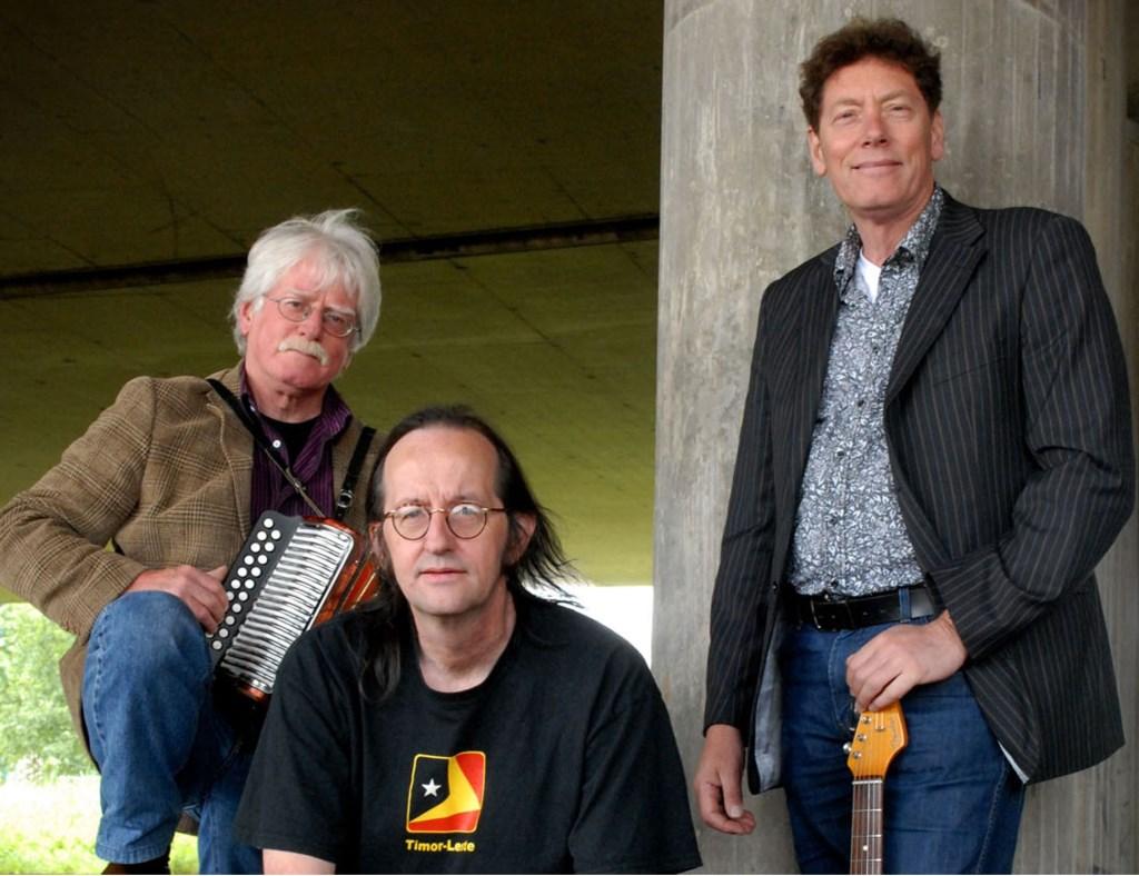 De godfathers van de straatmuziek, The Amazing Stroopwafels, sluiten het NKS af..  Foto: Nina Valkhoff © Hét Gemeentenieuws
