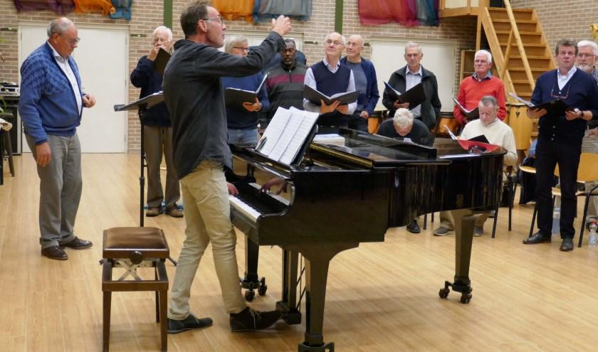 Onze dirigent/arrangeur. (foto: Jan Startman)
